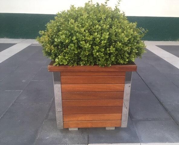 jardinera mobiliario urbano en galicia