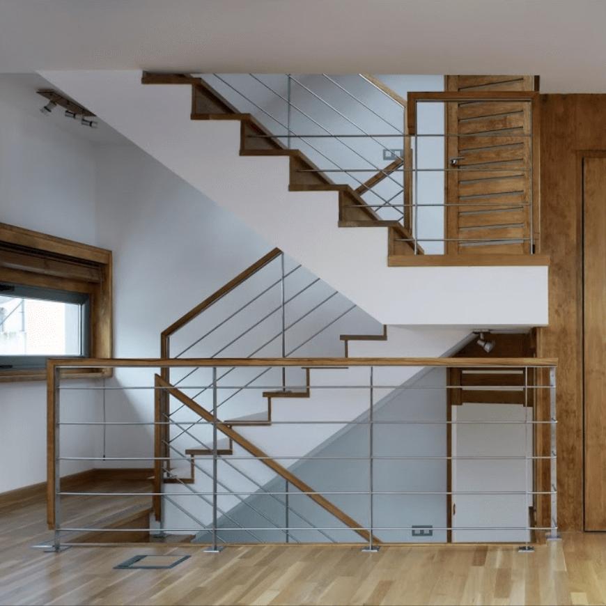 escalera de madera en galicia